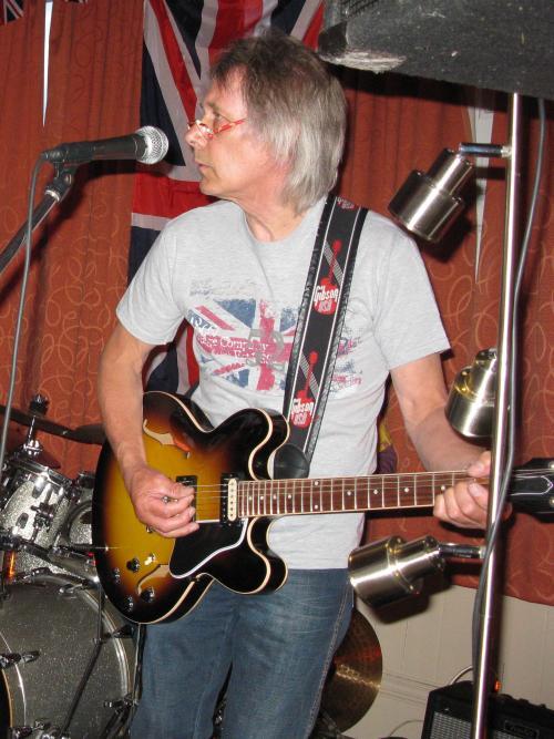 Nigel Smith, 'Reflections' gig, Bulcote Farm Rooms Diamond Jubilee Celebration, 04-06-2012